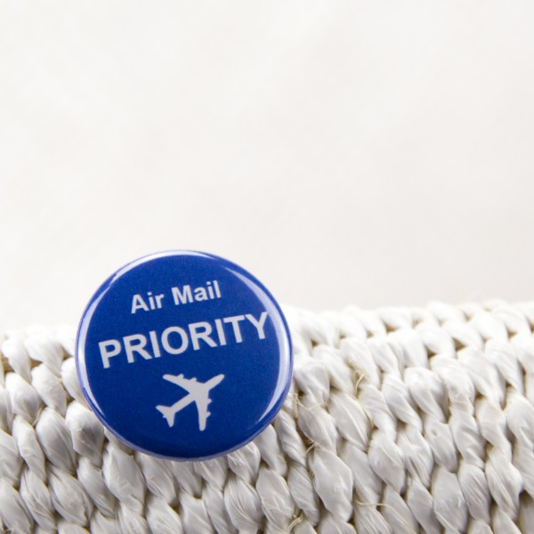 "Button ""Air Mail"""